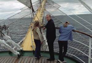 MARITIME TERRITORY, RUSSIA. President Vladimir Putin and his daughters take a sea ride while vacationing in Russia's Maritime Territory. 2002 file image. (Photo ITAR-TASS / Vladimir Rodionov) ----- Ïðèìîðñêèé êðàé.Ïðåçèäåíò ÐÔ Âëàäèìèð Ïóòèí ñ ñåìüåé íà îòäûõå âî âðåìÿ ìîðñêîé ïðîãóëêè.Ôîòî Âëàäèìèðà Ðîäèîíîâà /Ôîòî ÈÒÀÐ-ÒÀÑÑ/.